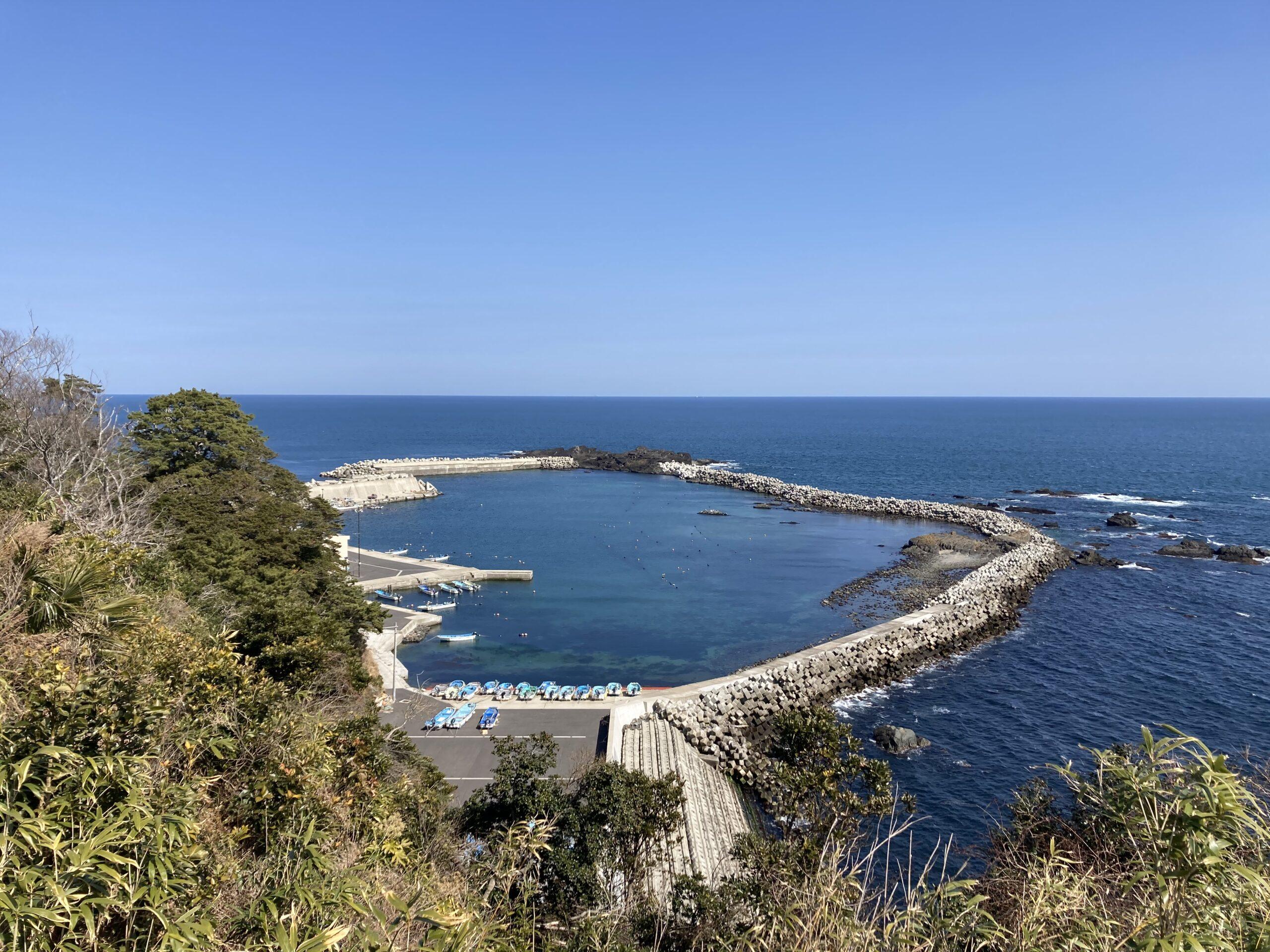 恋する灯台。大須崎から。