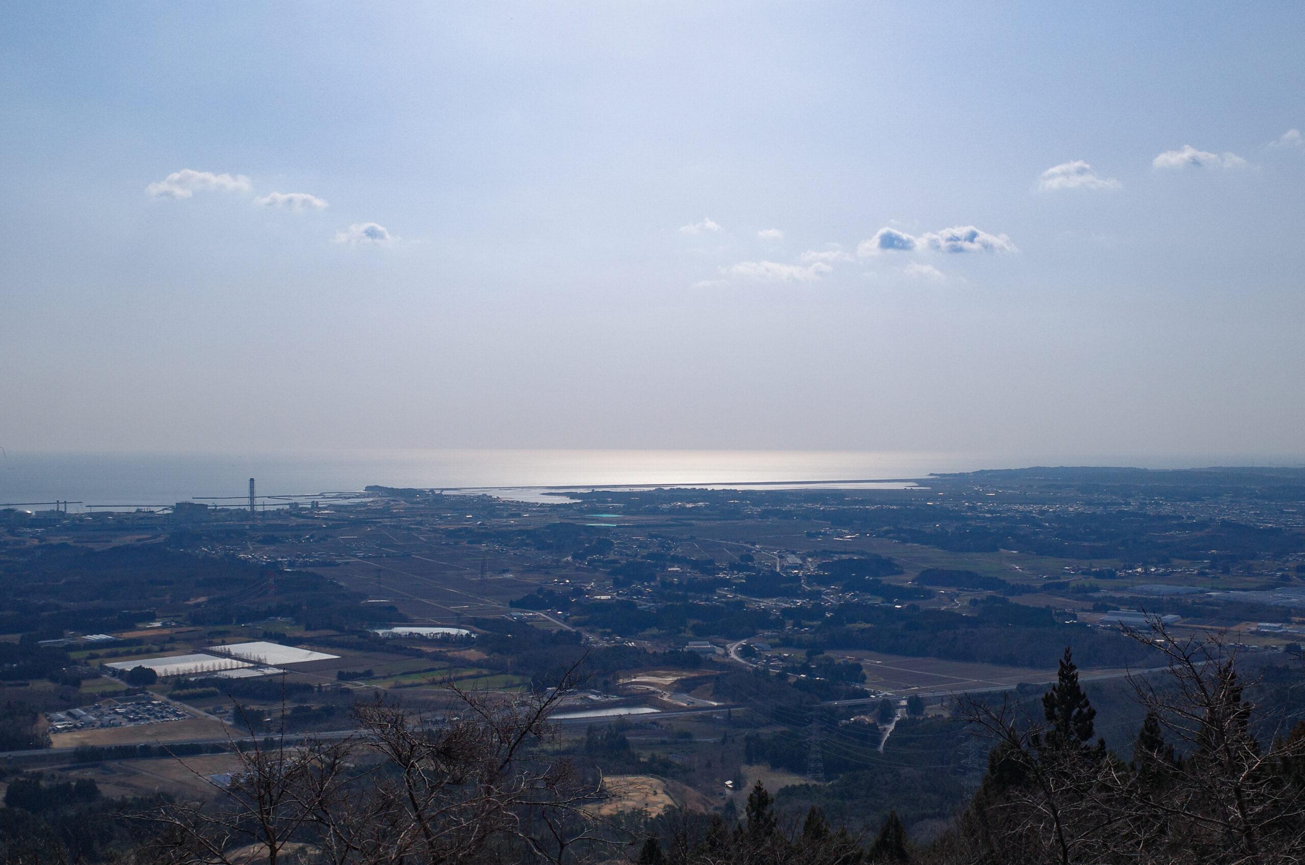 鹿狼山から松川浦を望む